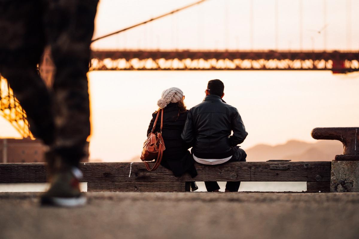 遠距離国際恋愛と国内の恋愛費用の比較